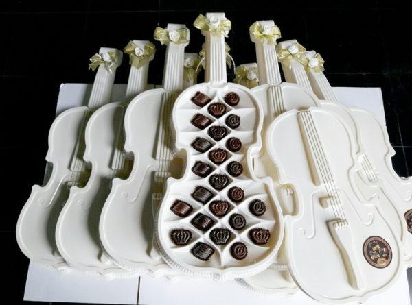 шоколадные конфеты утончённая скрипка